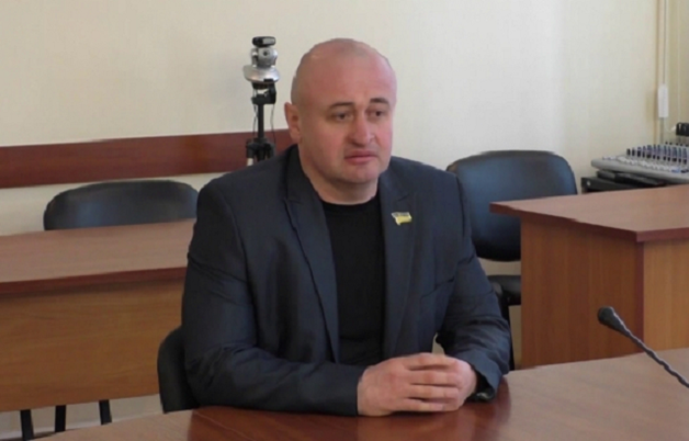 Не дадим «чмырить Чмыря»: депутаты от «ОБ» вынудили снять вопрос по осуждению поведения скандального депутата