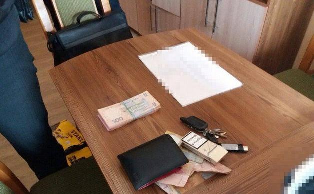 Чиновник Тернопольской ОГА требовал 80 тысяч гривен за контракт о ремонтных работах