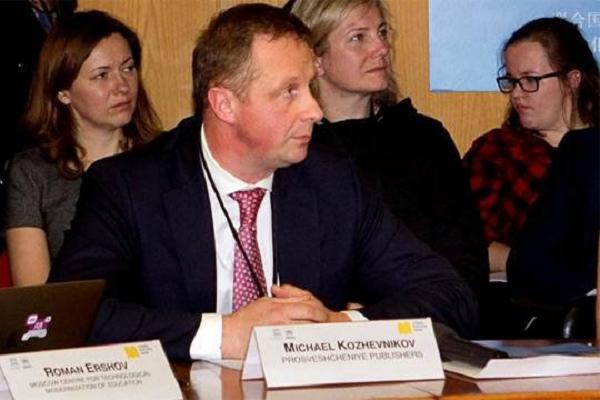 Зачем президент издательского холдинга «Просвещение» Михаил Кожевников хочет установить контроль над школой