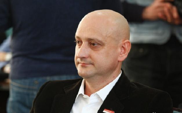 Депутат Євген Ткачук прихопив собі шматок землі у луцькому парку