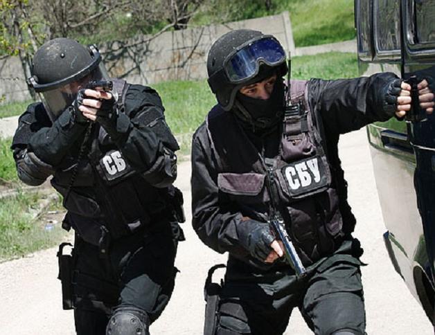 В Запорожье СБУ задержала двух офицеров полиции на сбыте наркотиков