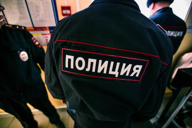 В Новокузнецке экс-полицейский украл из вещдоков 100 тысяч рублей
