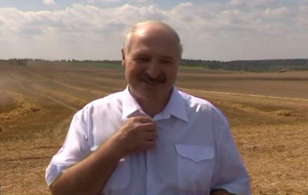 «Ты иногда меня щупай»: Лукашенко пошутил на тему своей недавней «смерти»