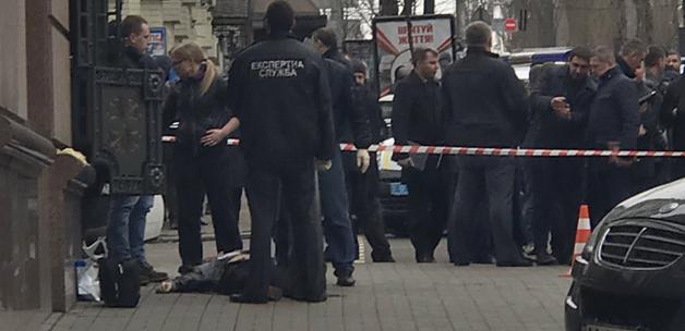 Раненого охранника Вороненкова до сих пор держат в искусственной коме, но он успел рассказать важную деталь
