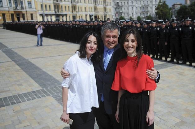 Удары судьбы: вспыли подробности семейных драм Згуладзе и Деканоидзе