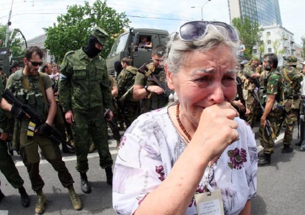 Налеты мародеров с автоматами произошли в оккупированных Луганске и Алчевске – нардеп