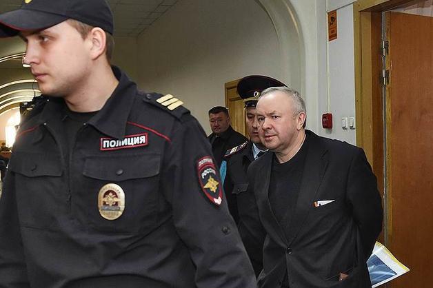 Бывший глава «Мостовика» Олег Шишов вышел на свободу по УДО