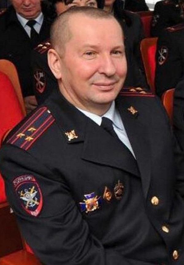 Полковник Чечун распилил здания Управления на транспорте МВД