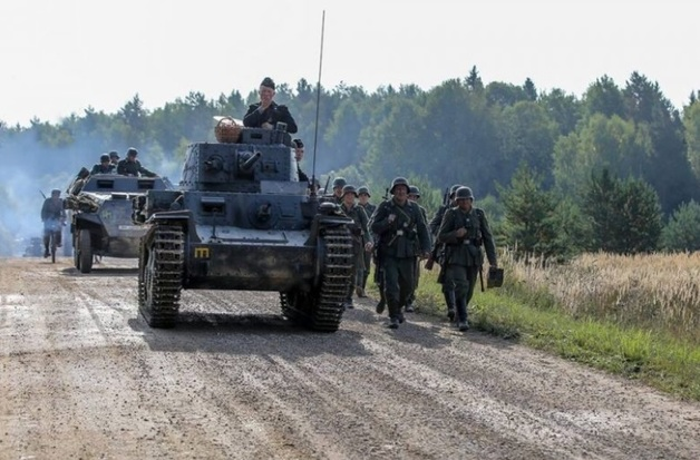 Раздавило танком: на съемках фильма Безрукова произошла трагедия