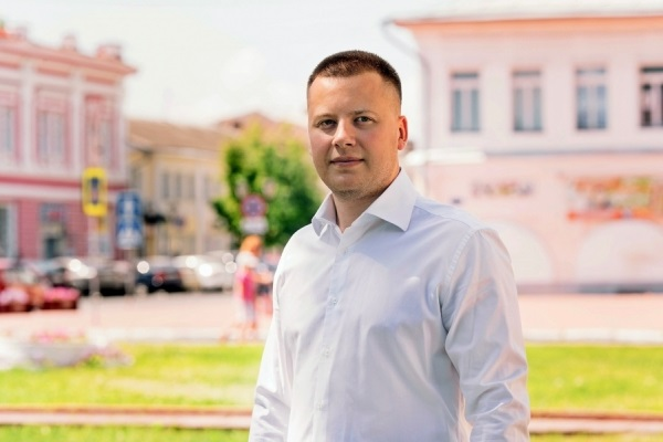 Сосунок Жириновского Александр Пронюшкин засел в Совфеде. За какие заслуги?
