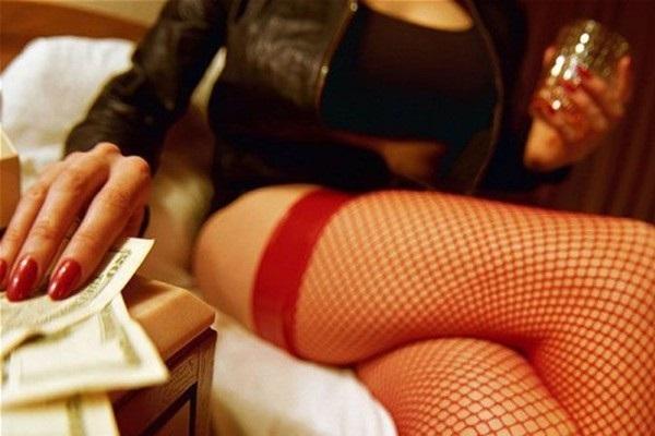 Директор киевского клуба принуждал танцовщиц к сексу с посетителями