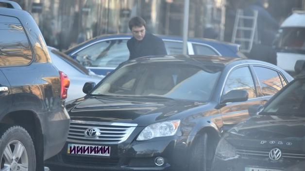 Опубликован новый автомобильный рейтинг украинских министров