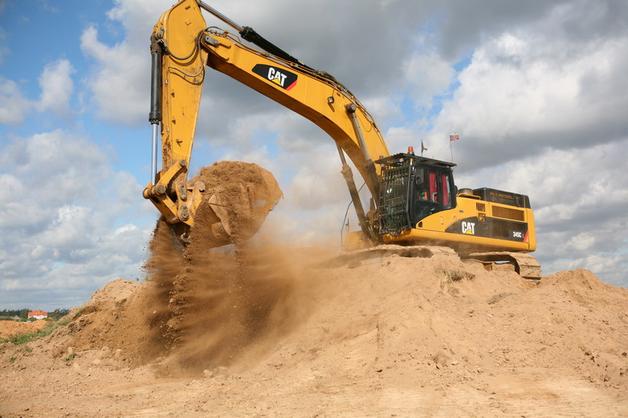 """Журналисты показали, кто """"крышует"""" нелегальную добычу песка под Киевом"""