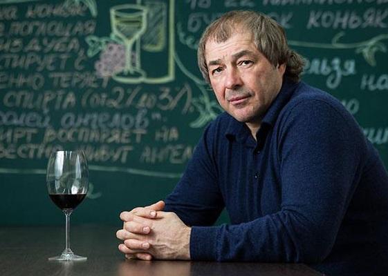 В алкомаркетах Сергея Студенникова толпятся оперативники ФСБ и ФНС