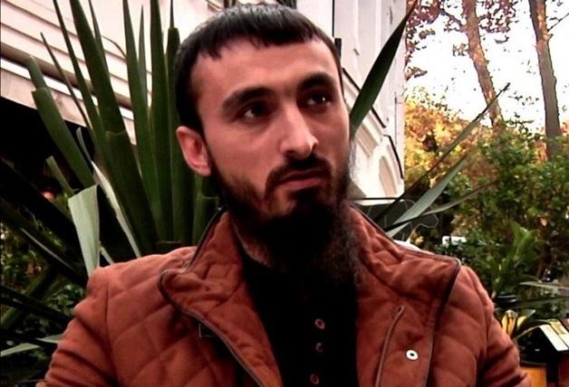 «Умереть и не испытывать эти зверства». Чеченский видеоблогер опасается пыток и расправы после депортации из Польши