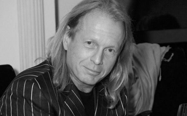 Умер певец и композитор Крис Кельми
