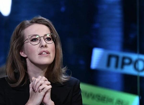 «Вы идиоты?» Собчак «наехала» на российских журналистов из-за коллеги