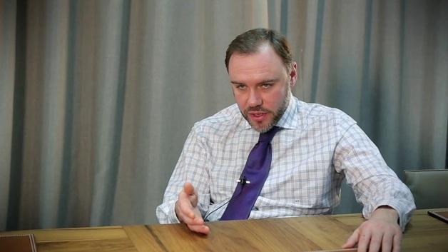 Депутат Загорий на Рождество побрил голову