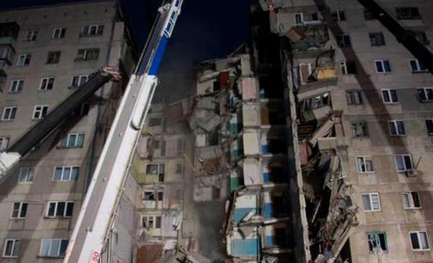 Власти Магнитогорска просят жителей обрушившегося дома забрать ценные вещи