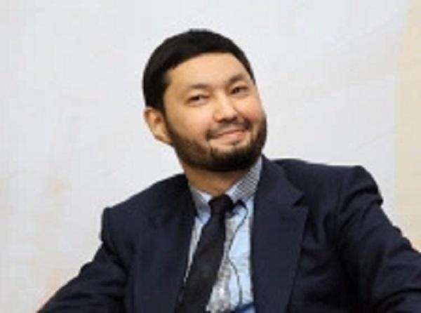 Кенес Ракишев — друг врага Украины Рамзана Кадырова, ездит по Украине на Мерседесе за 700 тыс.евро и в ус не дует