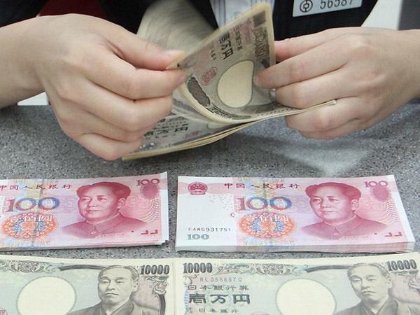 Государство меняет валюту. Пока — только себе