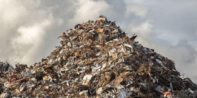 Азарова «завалит» мусором?