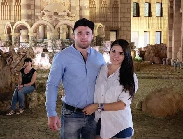 ''Убийца разгуливает!'' Вдову убитого в Киеве военного возмутило скандальное решение суда по боксеру