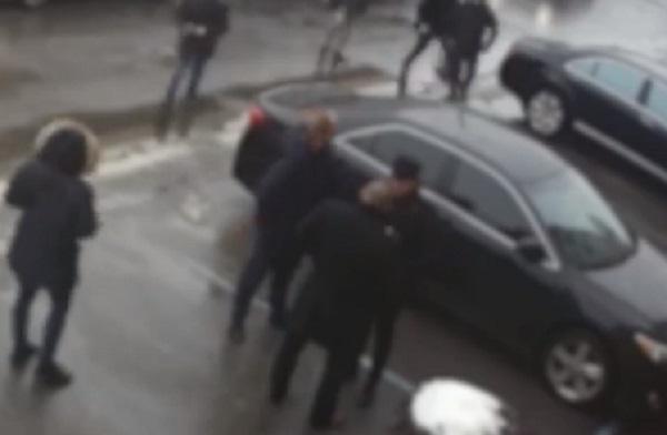 Стало известно, кто напал на DZIDZIO в Киеве: видео избиения артиста