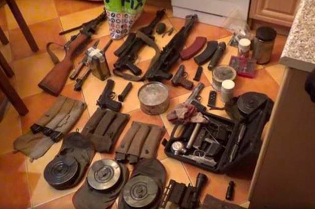 ФСБ раскрыла группировки торговцев оружием в 32 регионах