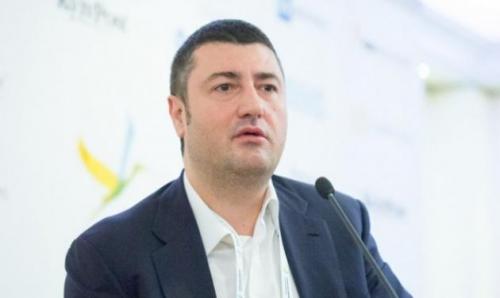 Олег Бахматюк под носом у Порошенко пытается избежать тюрьмы
