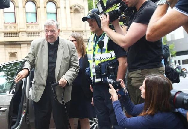 Казначей Ватикана приговорен к шести годам тюрьмы за изнасилование мальчиков из церковного хора