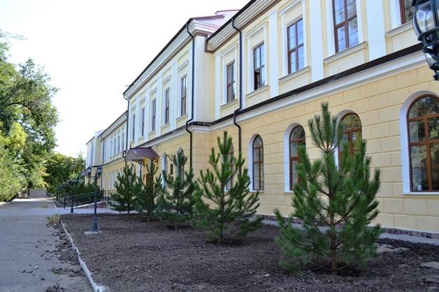 В Болграде украли деньги на ремонте гимназии, которую открыли Порошенко и премьер Болгарии