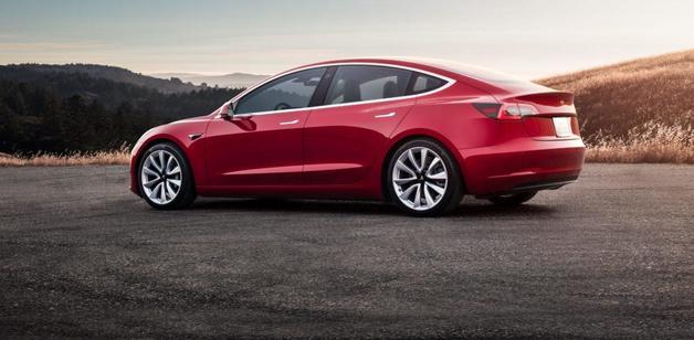 Маск рассказал, насколько надежна Tesla Model 3