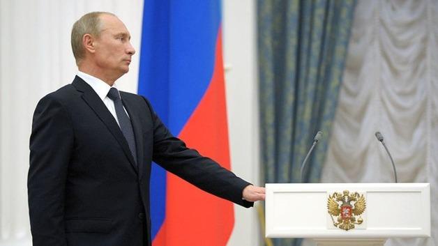 Президент вручил пять медалей Героям Труда