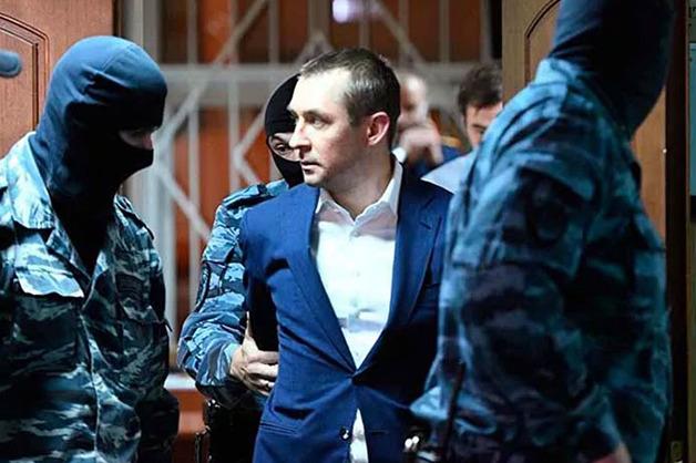 «Нормальные ребята, а им сломали карьеру»: полковник-миллиардер Захарченко прокомментировал приговор Кокорину и Мамаеву