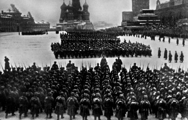 Почетные гости Сталина: Опубликованы архивные кадры с немецкими нацистами на военном параде на Красной площади