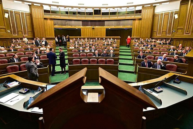 Верховный суд отказал в жалобе на указ президента о ликвидации ФСКН