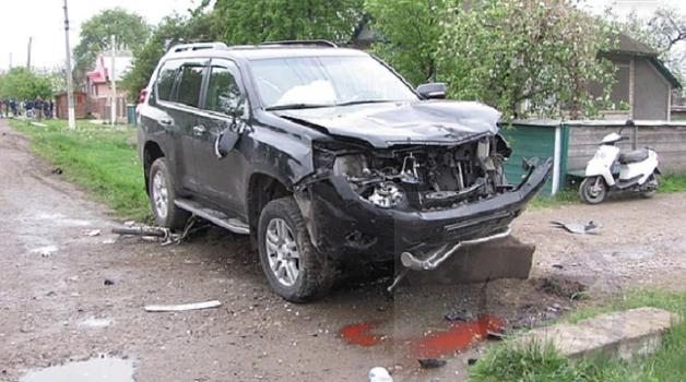 Чиновник из Молдовы сбил школьника в Украине и сбежал за границу