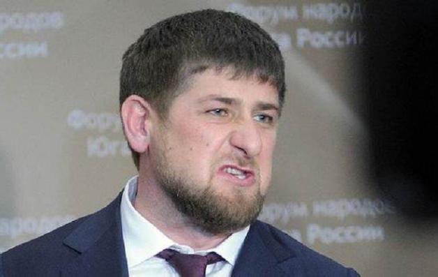 Встал уже в гипсе. Чеченский спецназ жестко обошелся с Кадыровым на футболе