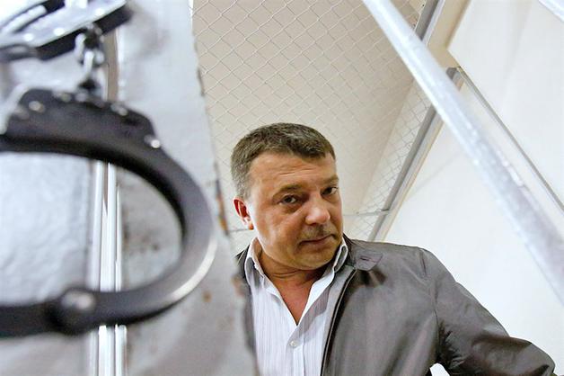 Новое дело Максименко: изъятые на «воровской» «сходке» часы и внутриведомственные войны