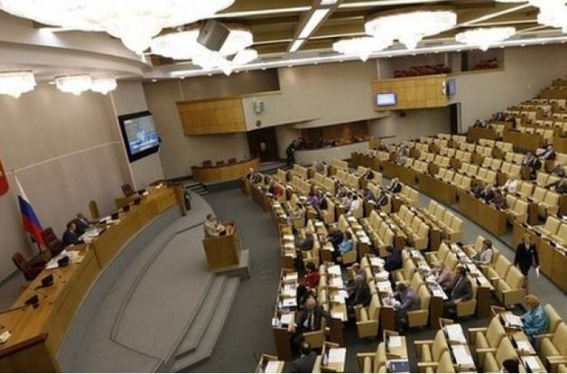 Экс-депутаты Госдумы бегут подальше от Путина