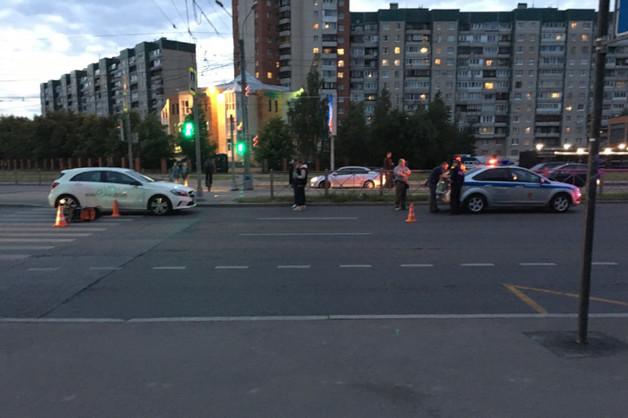 В Санкт-Петербурге водитель без прав на каршеринговом авто сбил коляску с ребенком