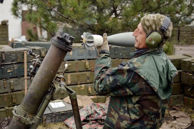 В Донецке под обстрел попала группа журналистов