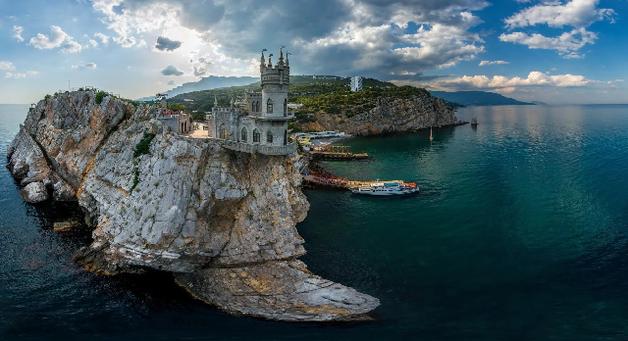 Как Крым превращают в мусульманский анклав