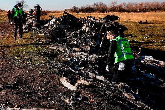 Улики по делу о крушении Boeing в Донбассе купили за десятки тысяч долларов