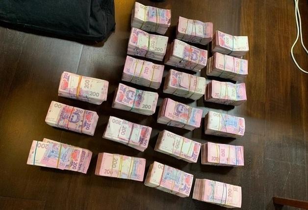 СБУ ликвидировала конвертцентр с оборотом 300 млн грн