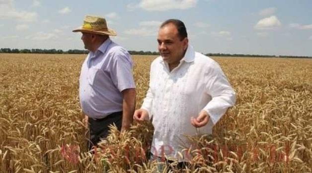 Нардеп Виталий Барвиненко организовавший тотальную скупку голосов на округу собрался бежать в Болгарию — источники