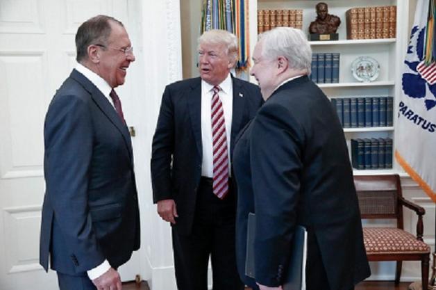 Трамп в Ярости: Россия солгала Белому дому, опубликовав фото со встречи Трампа и Лаврова