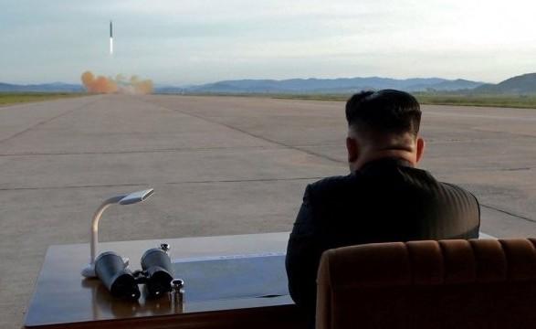 КНДР запустила 2 ракеты ближнего радиуса действия: подробности
