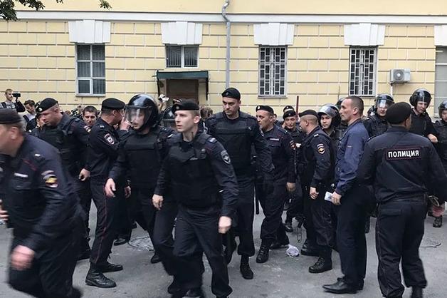 Источник: вокруг выборов в Мосгордуму в Кремле увидели «классический оранжевый сценарий»